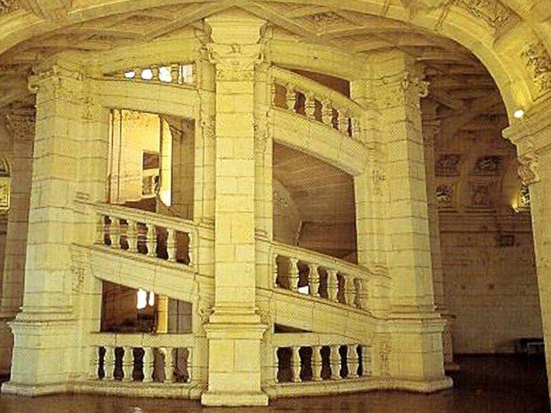 Le château de Chambord - Escalier à double révolution