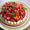 Tarte fraîche aux fraises et aux abricots sur sablé breton