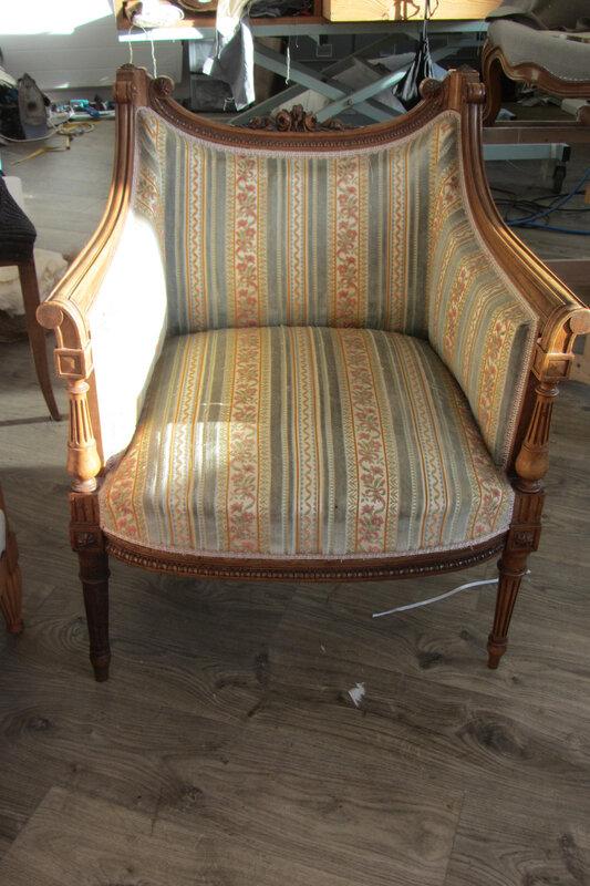 fauteuil Louis XVI à retapisser