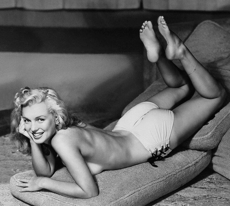 1948-by_earl_moran-knickers_white-mattress-2-1a