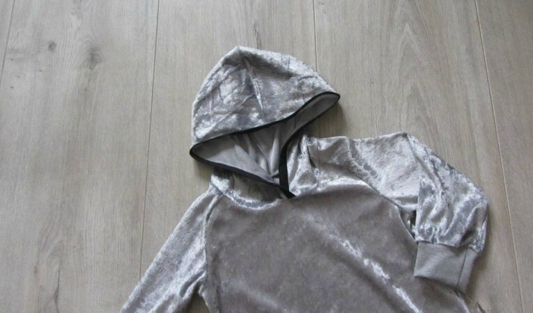 sweat velour gris 2