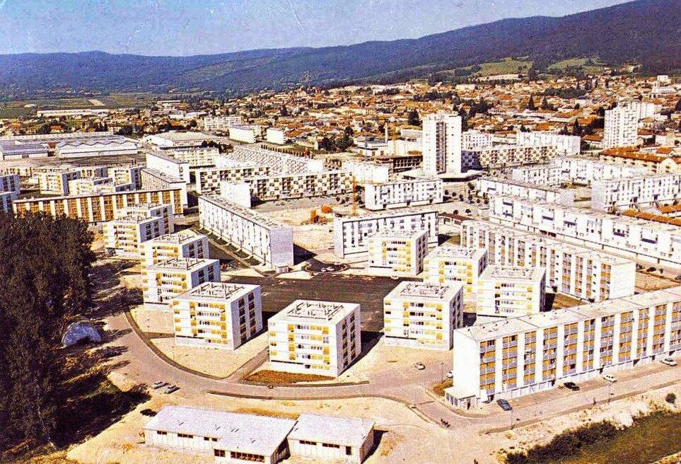 Oyonnax (Ain), la cité des Plaines