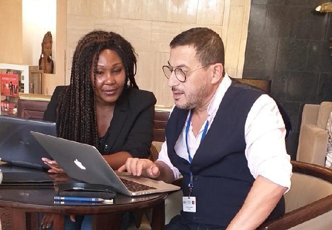 Carmen FEVILIYE et Robert KASSOUS en train de lancer la campagne d'adhésion à lhôtel Hilton de Yaoundé4