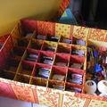 Boîte à broderie, alvéoles pour bobinettes