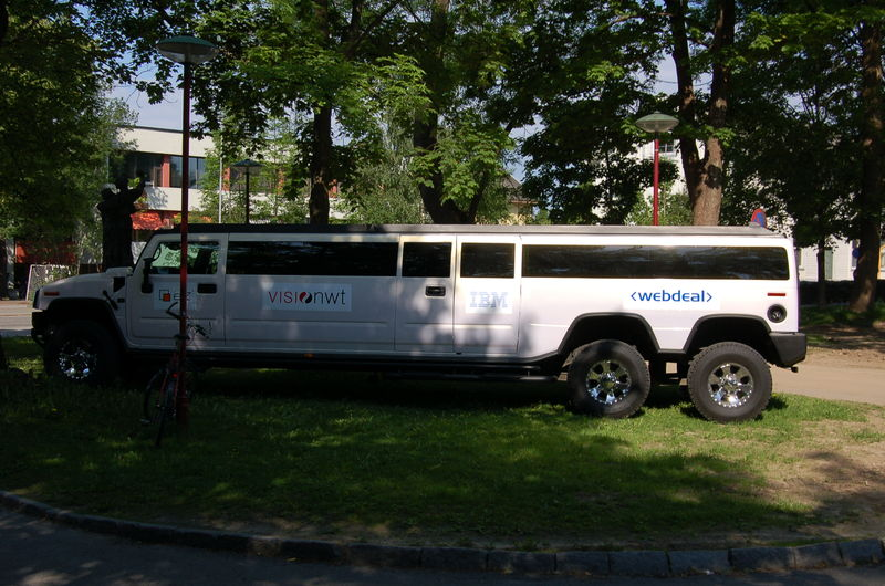 hummer_limousin[1]