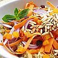 Salade de quinoa à l'orange, carotte, pignons de pin et menthe
