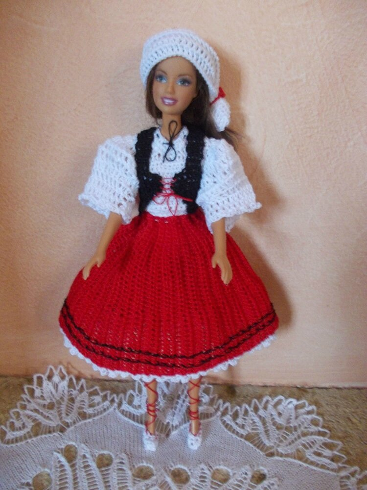 Barbie en tenue Basque