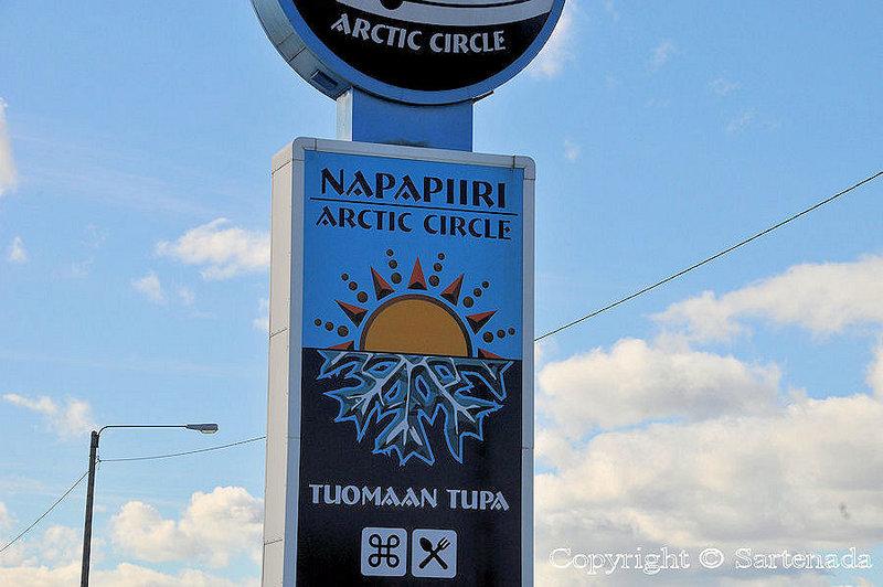 Arctic_Circle_at_Tuomaan_Tupa_Lapland_ (2)