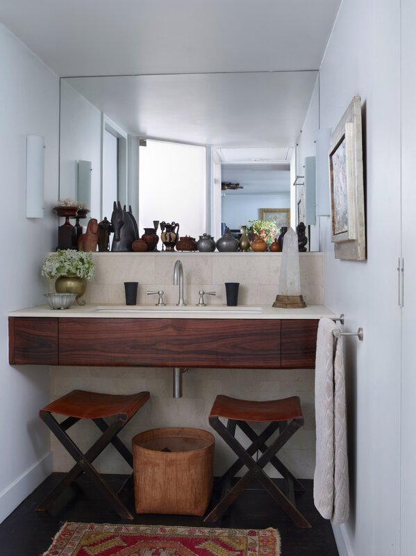 bathroom-wood-vanity-sculpture-mirror-leather-stools