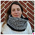 PH2015-10-02_1624-owly-mary-du-pole-nord-fait-main-snood-col-echarpe-cache-cou-tour-polaire-doudou-femme-geometrique-chine-noir-rectangle-blanc-ecru