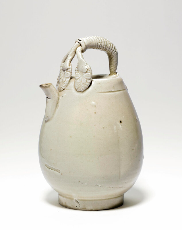 A rare 'Ding' ewer, Liao-Song dynasty (907-1279)