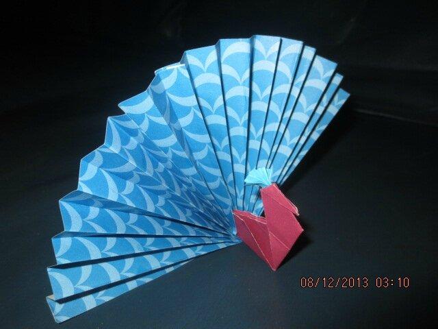 Un paon en origami