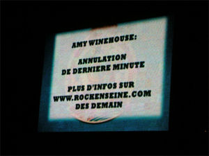 Amy_Winehouse_annulation_04
