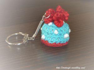Porte_cl__gateau_bleu_crochet