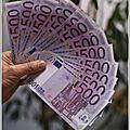 Des billets de 500 euros bouchent les toilettes d'une banque en suisse