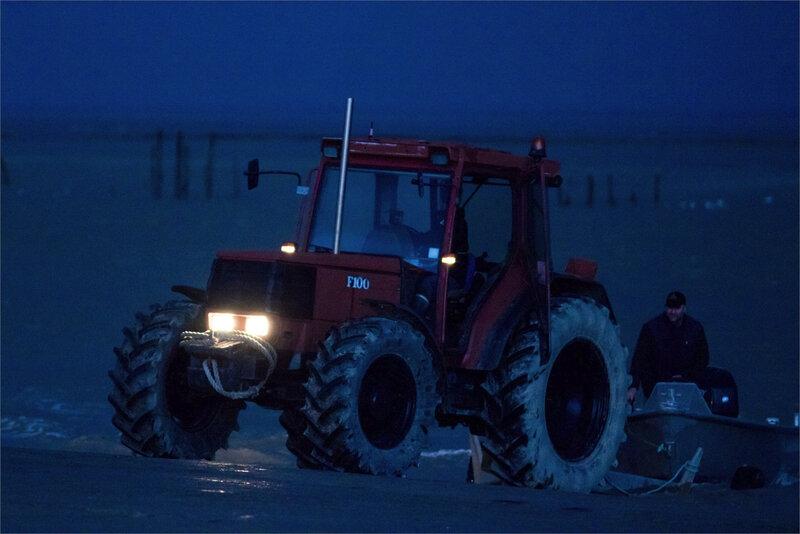 Aiguillon port Pavé pluie matin 291220 1 ym tracteur worker