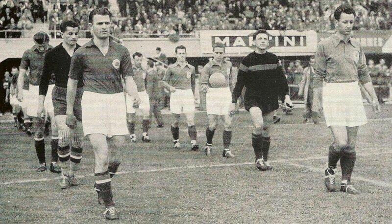 1954 Livre France Yougoslavie Entrée joueurs