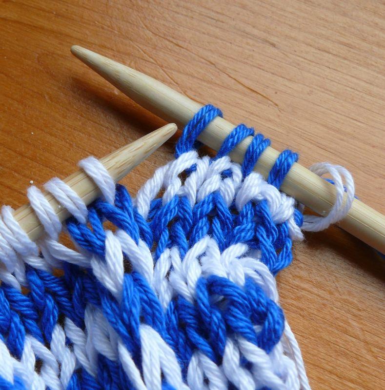 17090cda729 Jouer des couleurs avec les mailles glissées. - Tricote pas tout!