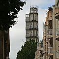 Tour immeuble dans le quartier de Pey-Berland (juillet 2012)