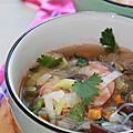 Bouillon de crevettes un peu thaï