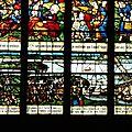 Le vitrail du halage, réalisé en 1605 par le peintre verrier rouennais Martin Vérel, représente les gens du tiers-état montant des bateaux sous le pont