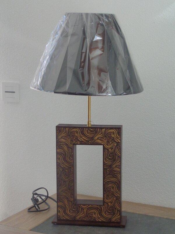 """Lampe moderne """" tabac et or"""""""