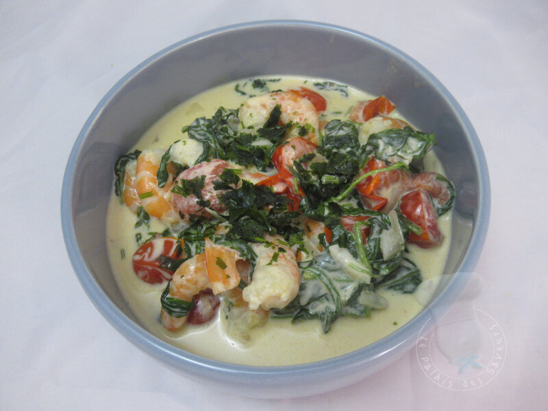 Crevettes sauce parmesan épinards