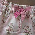 Culotte-bloomer en coton écru imprimé rayures roses et médaillons fleuris et noeud assorti - taille 52 (3)