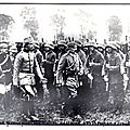 Les cousins - bulletin officiels allemands - le kaiser devant ses troupes d'assauts.