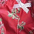Culotte BIANCA en coton rouge imprimé coquelicots et noeud blanc à pois rouge (4)
