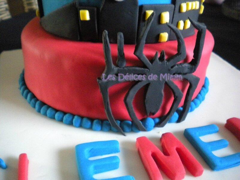 Gâteau Spider-man (pâte à sucre) 4