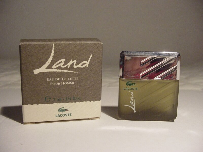 LACOSTE-LAND