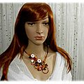 Collier marron orange rouge beige fleurs fil aluminium fait main