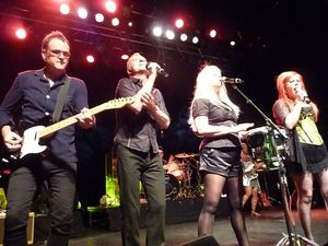 2008_07_The_B52s_Bataclan_029