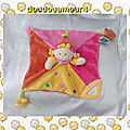doudou_peluche_plat__carre_poupee_fille_rose_orange_jaune_rond_e