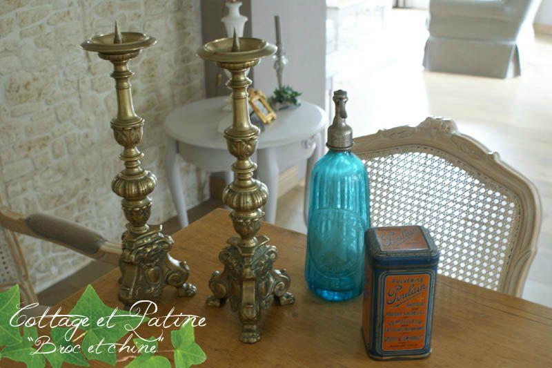 cottage et patine broc & chine piques cierges siphon et boite