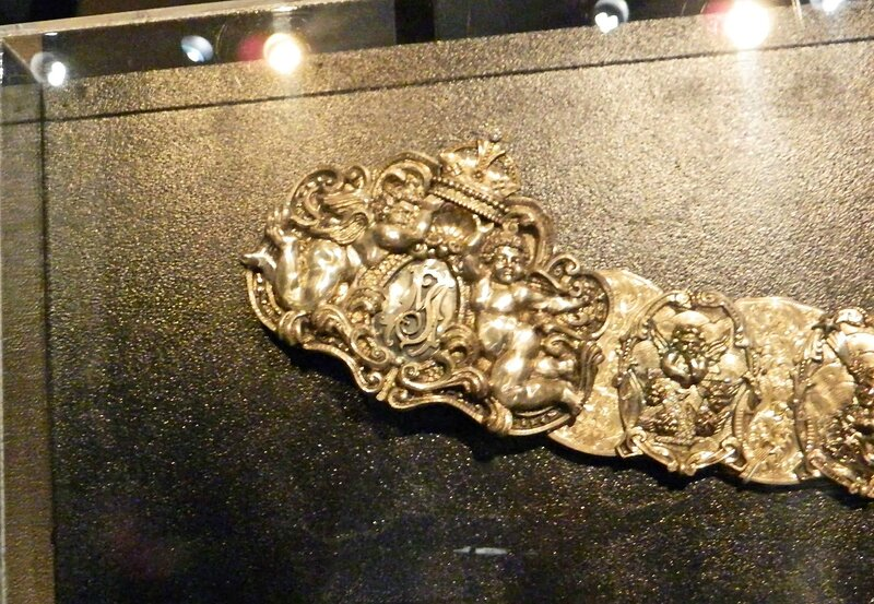 2013101937 Cleveland Rock and Roll Hall of Fame Michael Jackson belt