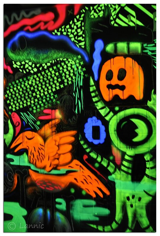 Paris_tour_13_dessins_fluo