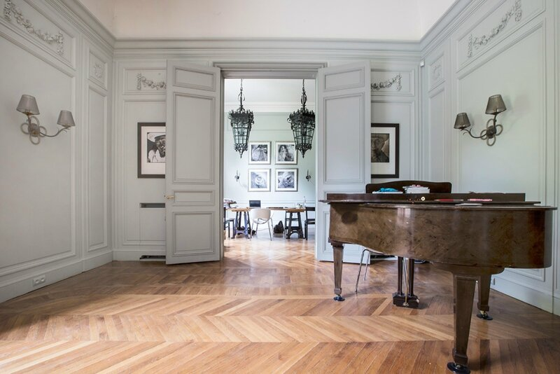 salon-appartement-meuble-paris-7-1024x683