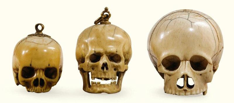 Trois grains de chapelet en ivoire, Allemagne, XVIIe-XVIIIe siècle