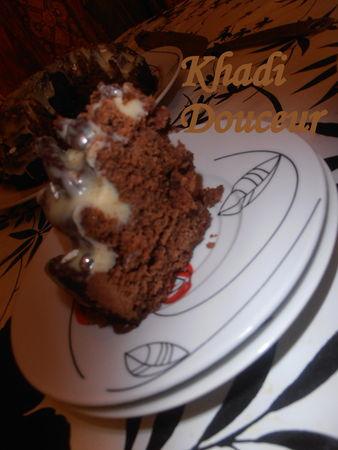 Gateau_au_chocolat_fourr__ganache_au_chocolat_gla_age_chocolat_blanc_1