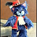 Walter cat, le chat corsaire avec sa veste et son chapeau rouge