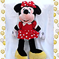 Doudou peluche minnie robe et noeud a pois rouge disney 55 cm