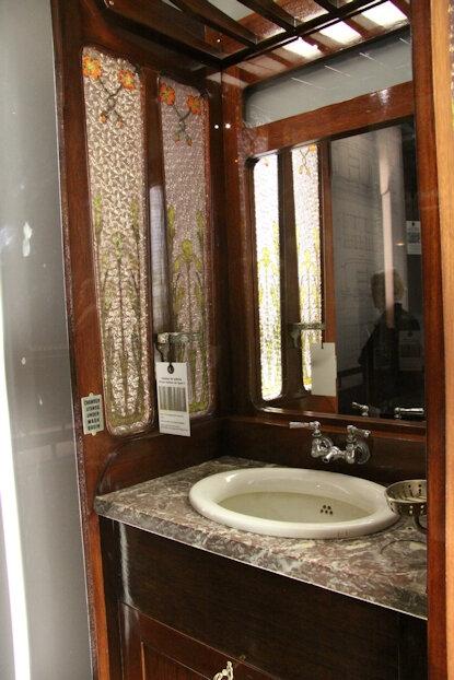 076-Cabinet de toilette voiture type S