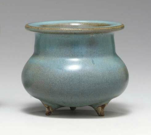 A small Junyao tripod censer, Jin-Yuan dynasty, 12th-13th century