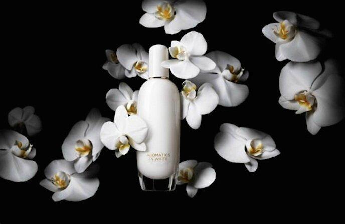 clinique aromatics in white 1