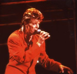 1987_07_David_Bowie_La_Courneuve_04