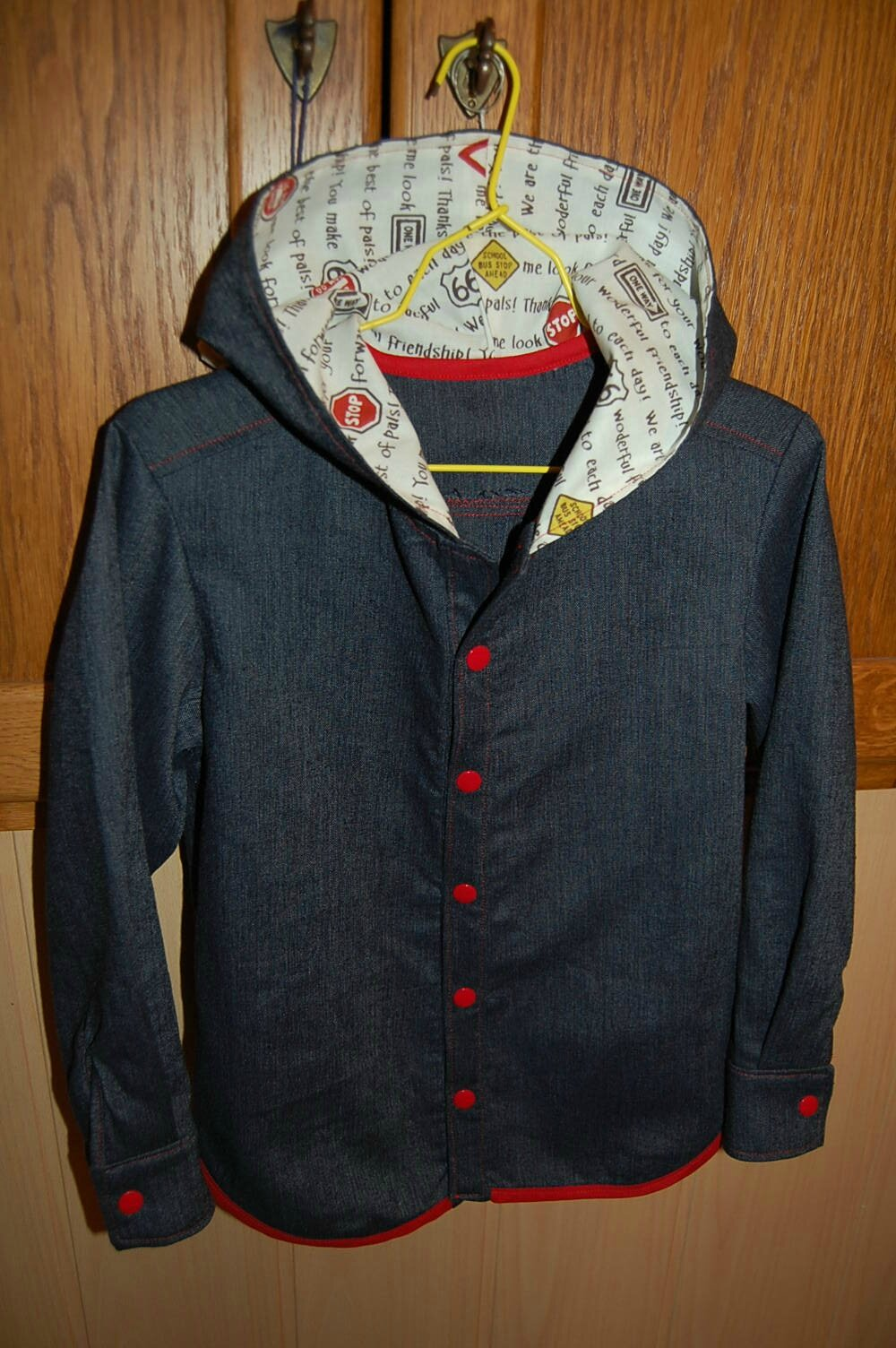 Chemise à capuche - JCA 329