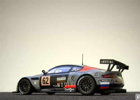 AstonMartinDBR92006TM_04