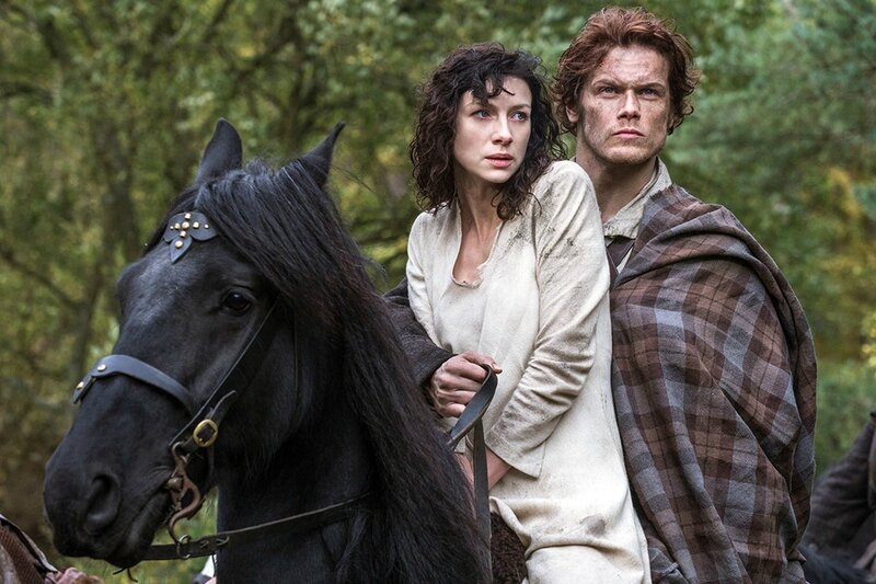 claire-and-jamie-riding-a-horse-outlander-wallpaper-3786